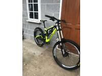 Down hill bike Saracen myst pro mountain bike