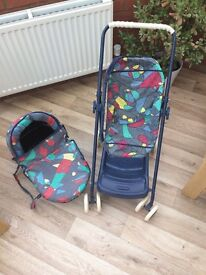 3 in 1. Buggy, pushchair and carry cot