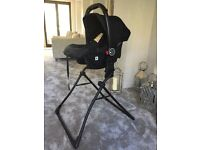 Tutti Bambini Carrycot and Car Seat Stand