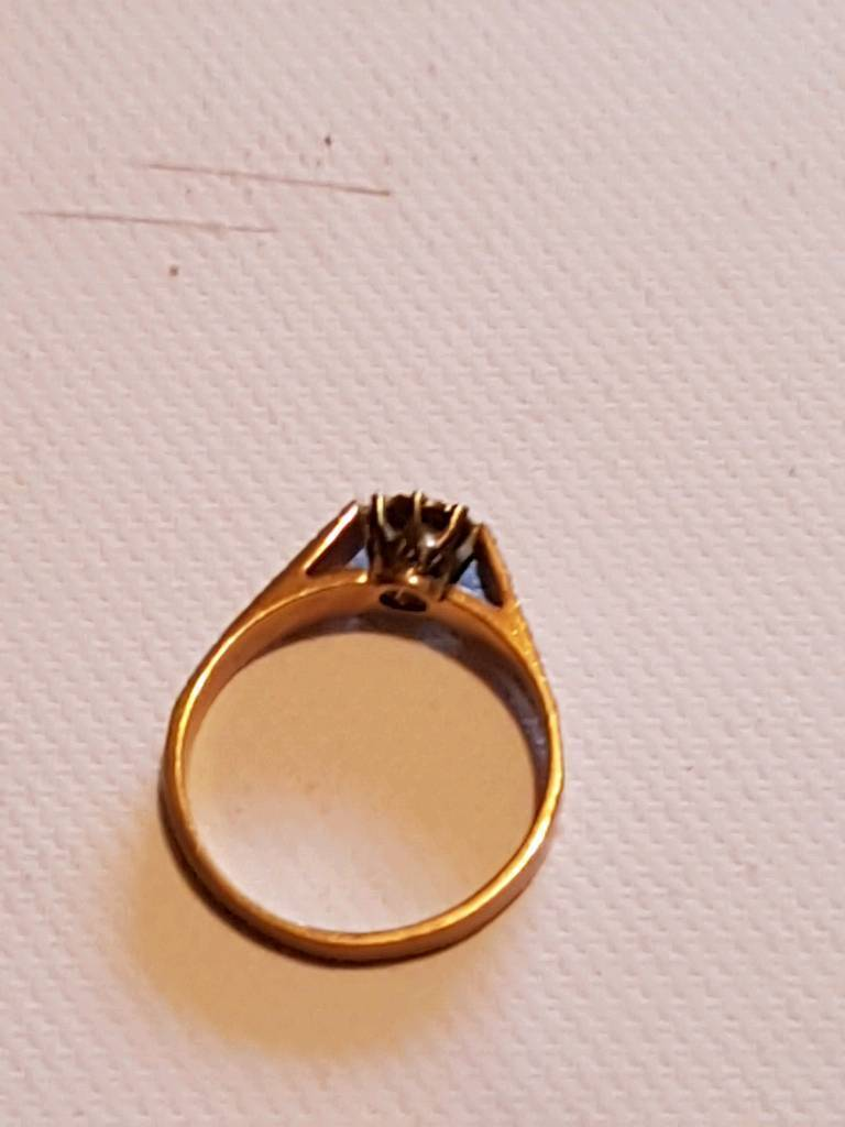 Vintage 1970's 9ct gold engagement ring