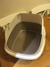 High sided cat litter tray