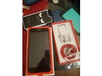 One plus 5. 64GB. Unlocked. Mint Condtion
