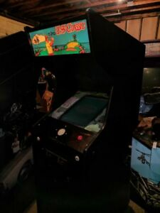Selling a Taito US Classic Golf Arcade game.