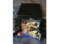 Selling PS4 1TB, two controllers, games.