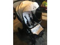 Venicci mini black white travel system car seat pram buggy push chair 3 in 1