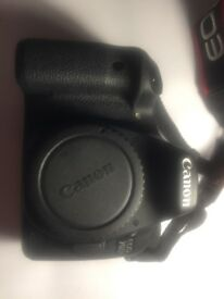 CANON 70D DSLR CAMERA LIKE NEW