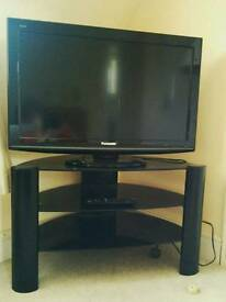 Panasonic 32-inch Widescreen TV and stand