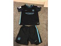 Manchester City Boys football kit age 7-8 Ineanacho