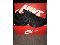 Nike tns triple black. Sizes 6/7/8/9/10/11 DELIVERY/POSTAGE/COLLECTION