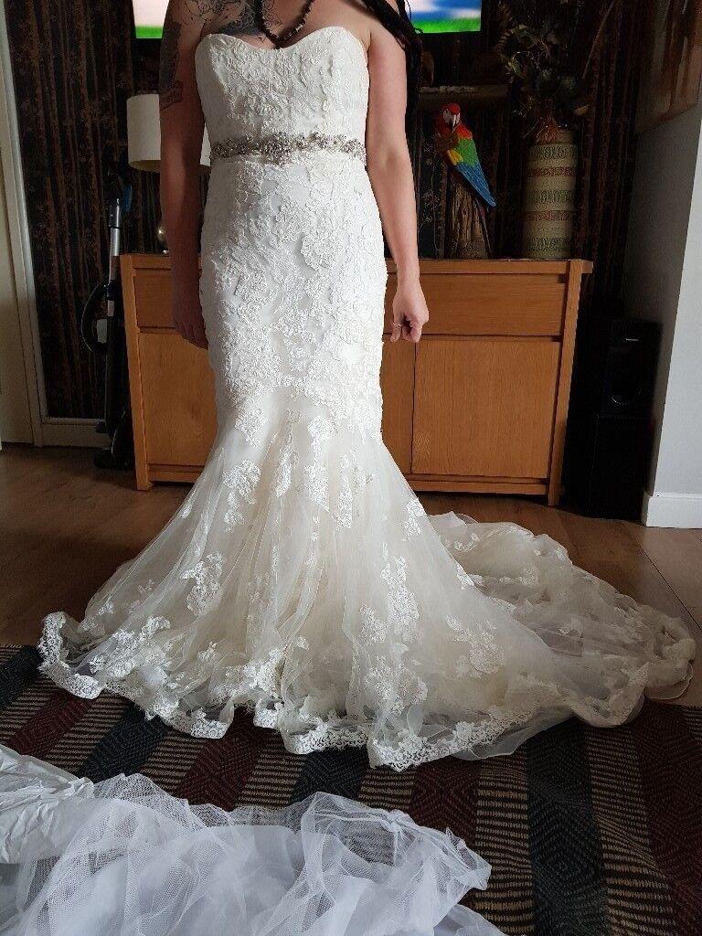 Benjamin Roberts Lace Wedding Dress Size 12 Fish Tail Ivory