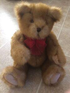 "12"" Gund Bear with Bow"