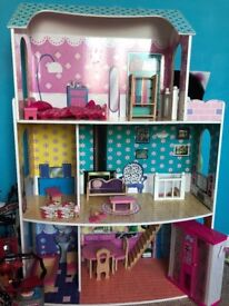 Barbie style Mansion +accessories