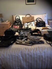 LADIES HANDBAGS - LARGE BATCH