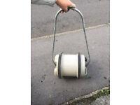 Aquaroll water carrier with handle