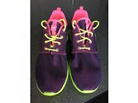 Nike Roshe Trainers new without box uk7