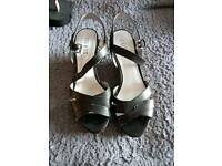 Guess wedges size 6.5