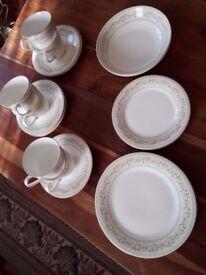 ROYAL DOULTON 'PAISLEY' PART TEA SET. 22 PIECES. GOOD COND.