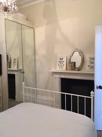 SALE £85pn Beautiful Double Room for Gold Cup Week Cheltenham