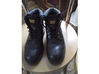CAT BOOTS SIZE 5