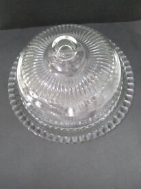 Vintage luminarc cake or cheese dome