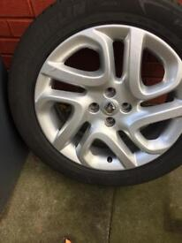 Renault Alloy Wheel & Tyre