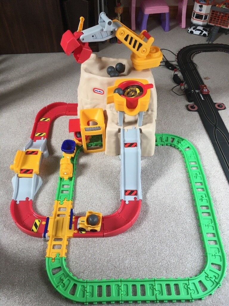 Little Tikes Big Adventures: Construction Peak Rail & Road