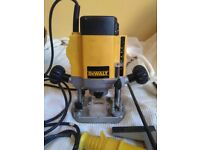 """DEWALT DW615 110 Volt 900 Watt 1/4"""" Router with Variable Speed"""