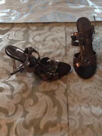 Heel/ sandals size 5