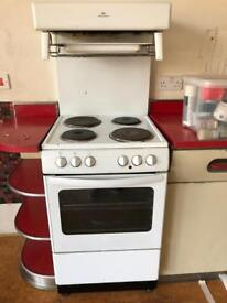 Free electric range cooker