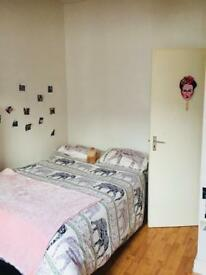 Lovely large room in brixton !