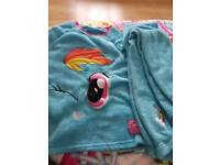 Warm night suit 9to10yrs