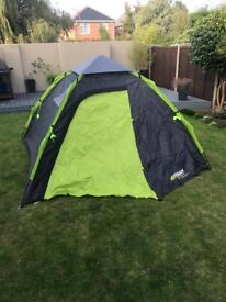 Brand new 4 man dome tent