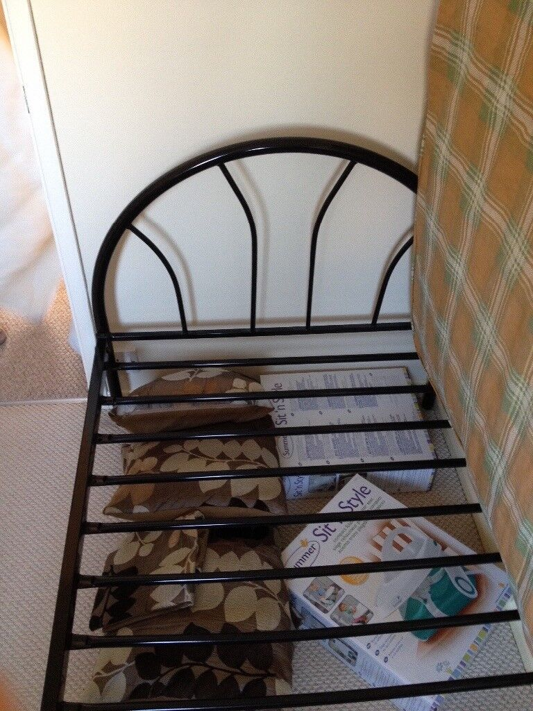 Single bed and mattress from smoke/ pet free house