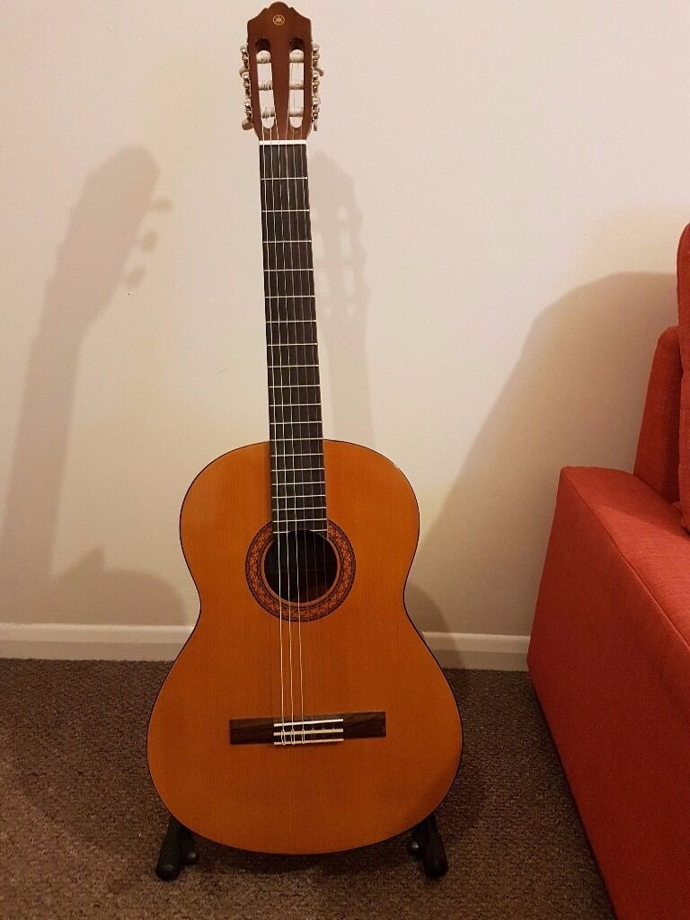 yamaha c40. yamaha c40 full size classical guitar - natural + accessories
