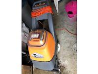Taski Aquamat 30 - Carpet cleaning machine