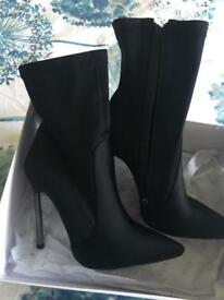 Size 5 Heel Pointed Toe Sock Boot in Black Lycra