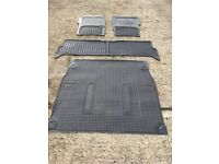 Landrover Discovery 2 full rubber mat set - front, back & rear