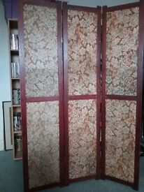 VINTAGE FOLDING 3 PANEL WOOD AND FABRIC ROOM DIVIDER SCREEN