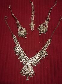 Jewellery Set White