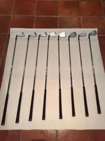 Taylor made R7 golf clubs