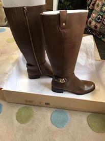 Ladies michael Kors boots