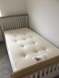 Immaculate 9 month old Single Bed Memory Foam Dreams Mattress