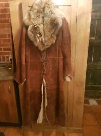 Skinskin coat with fox fur collar