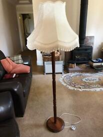Elegant Traditional Floor Standard lamp