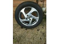 2015 toyota yaris hydrid 15inch alloy wheel and new tyre