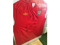 WALES FOOTBALL SHIRT SIGNED AND FRAMED