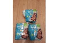 67 Pampers nappies size 5