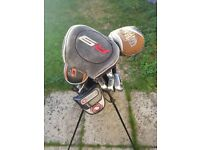 Full set of mens golf clubs including stand bag