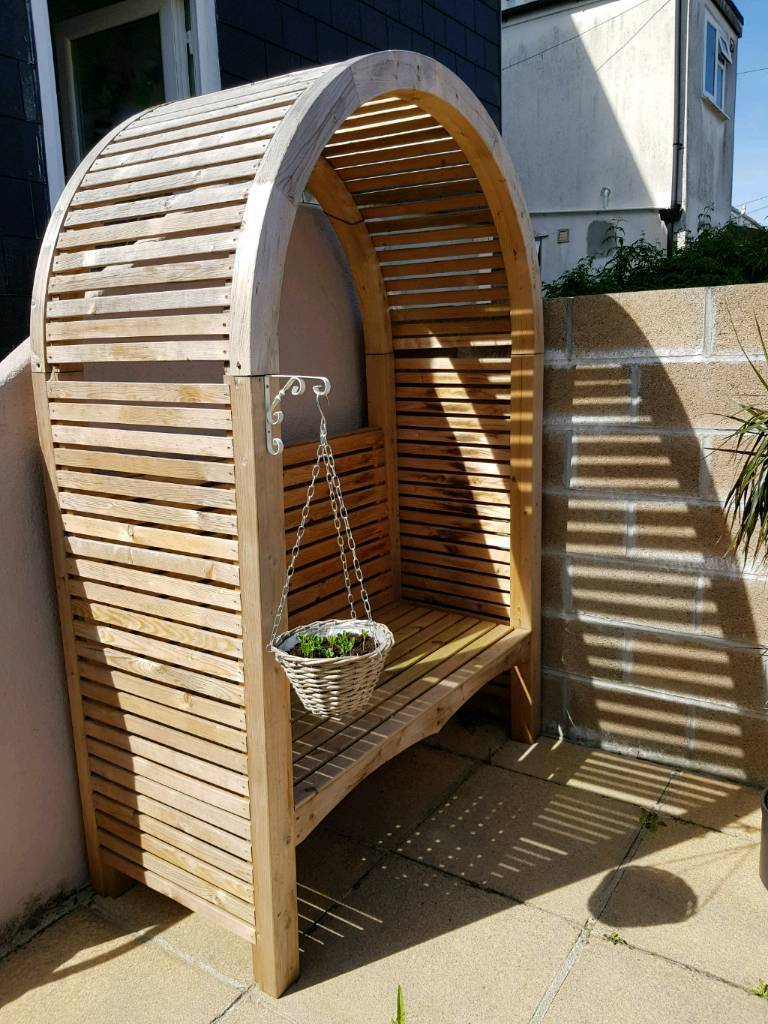 Large Timber Garden Arbour Bench Seat - excellent condition | in ...