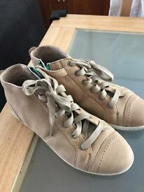 Timberland earthkeeper boots size 5